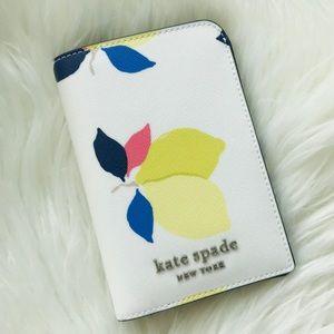 NEW KATE SPADE ♠️ 🍋 LEMON PASSPORT HOLDER